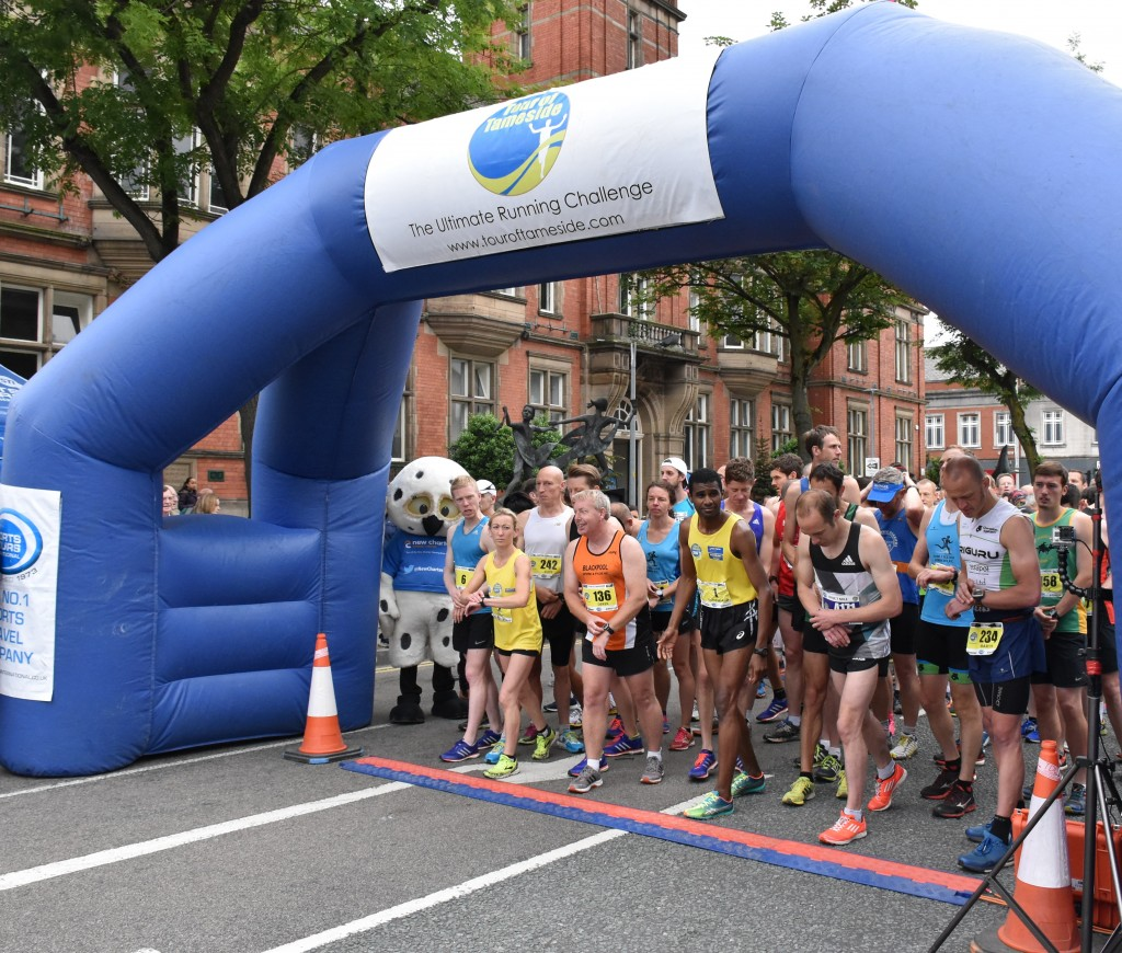 Tour of Tameside runners line up on the final day